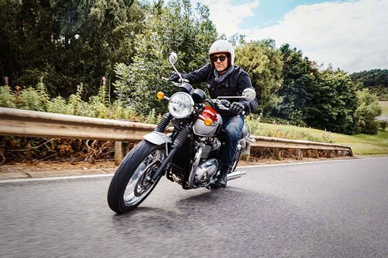Triumph Modern Classics Bonneville T120 motorcycle riding shot