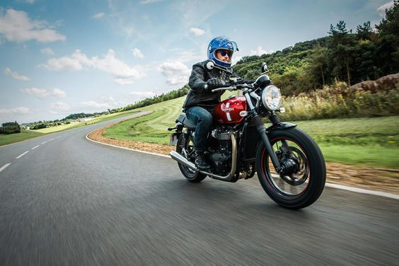 Triumph Modern Classics Street Twin Motorcycle riding in british countryside