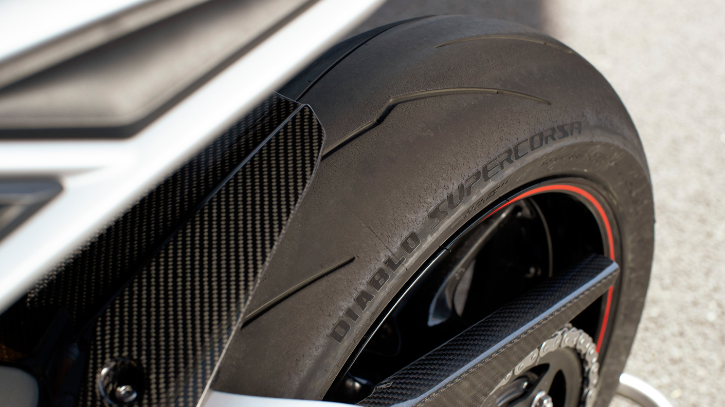 USA Daytona Moto2™ Track-ready Pirelli Diablo Supercorsa SP tires