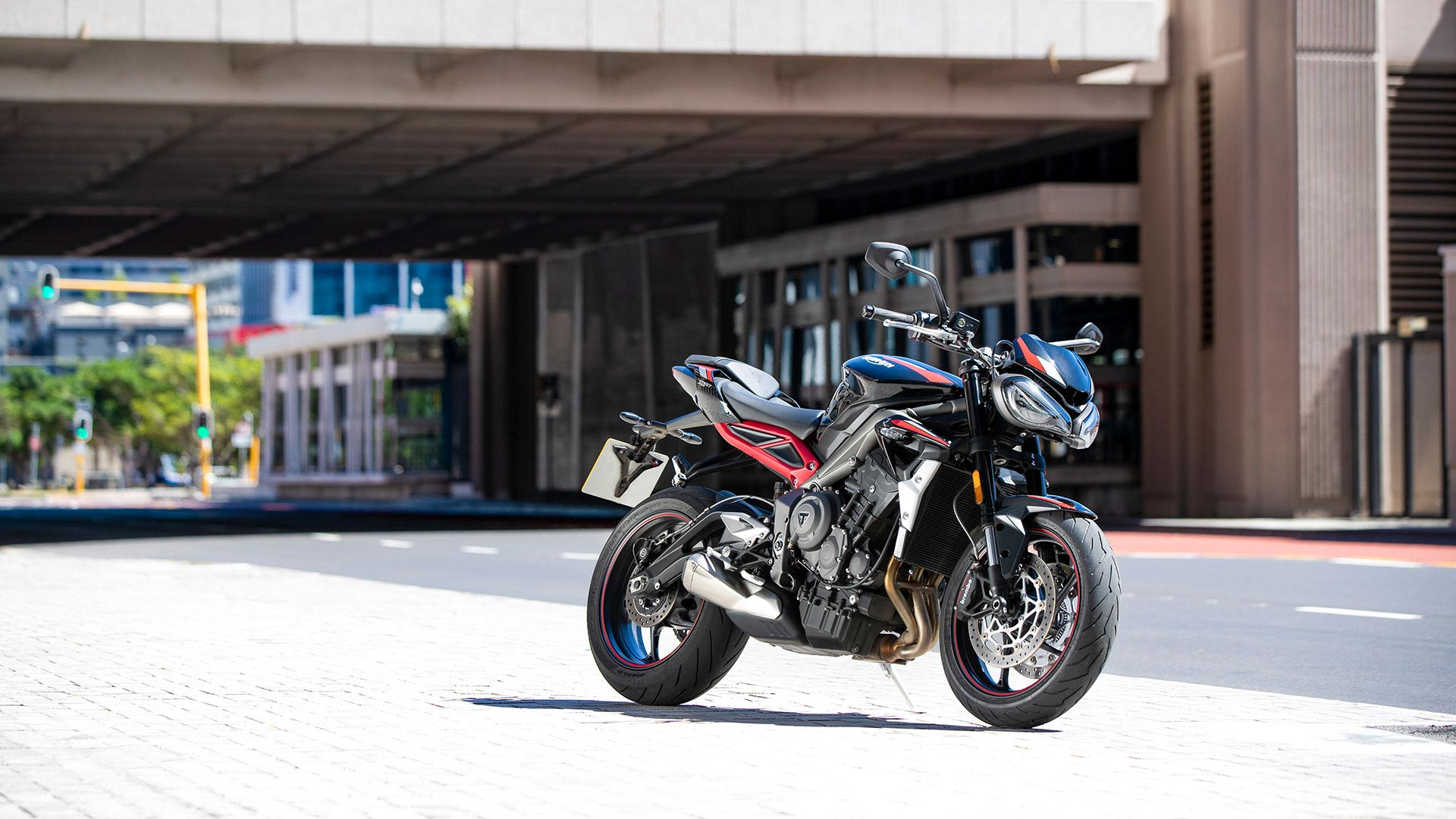 Static shot of Triumph Street Triple R in Sapphire Black with red decals