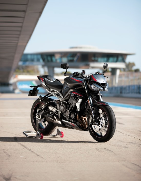 Street Triple RS poised on track