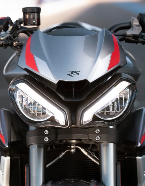 Street Triple RS aggressive headlights