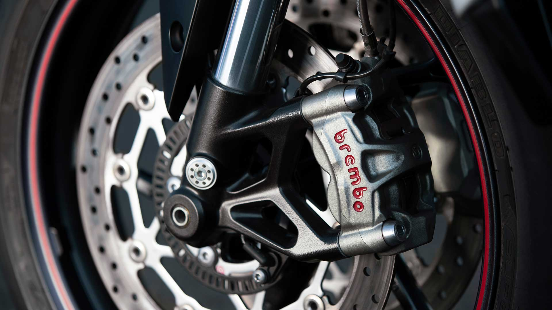 Close-up shot of Street Triple RS's brembo brakes