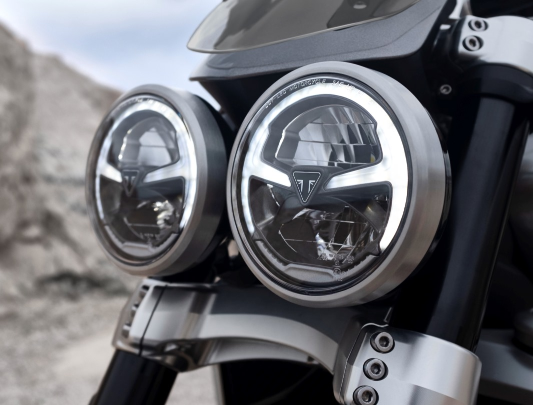 Triumph Rocket 3 GT twin LED headlight with class-defining finish