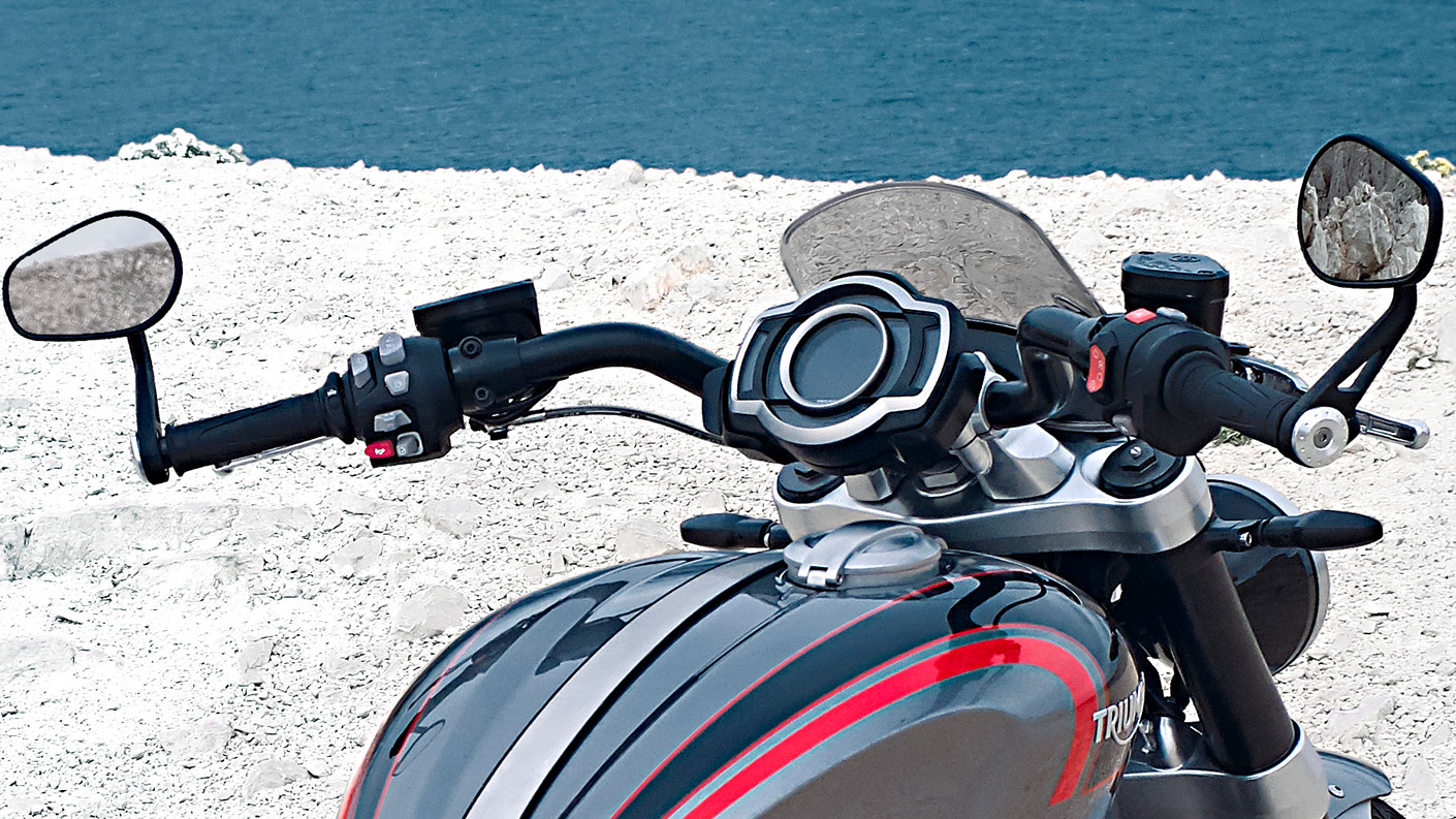 Triumph Rocket 3 GT muscular touring-style handlebars