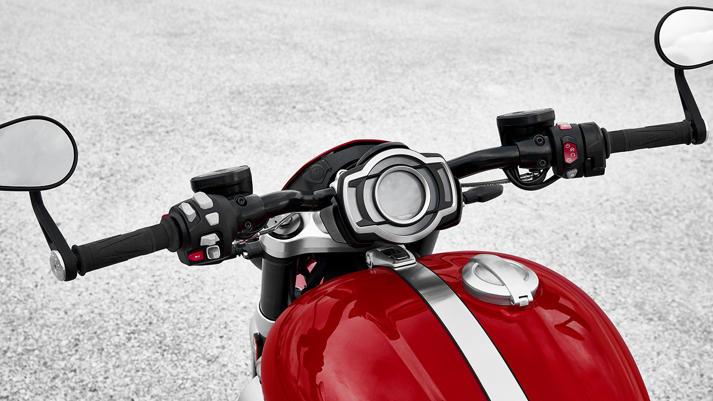 The Korosi Red Rocket 3 R equipped with stylish roadster-style handlebars deliver a unique muscular feel and riding position
