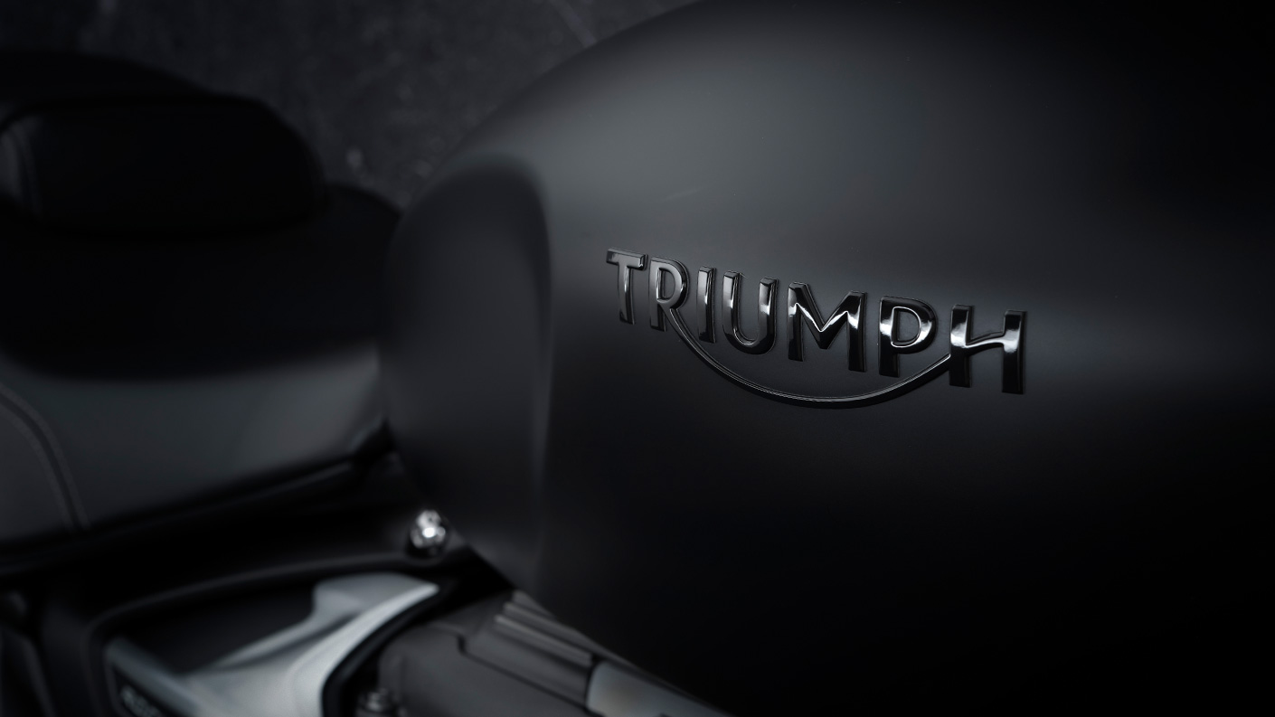 Triumph 2021 Rocket 3 R Black
