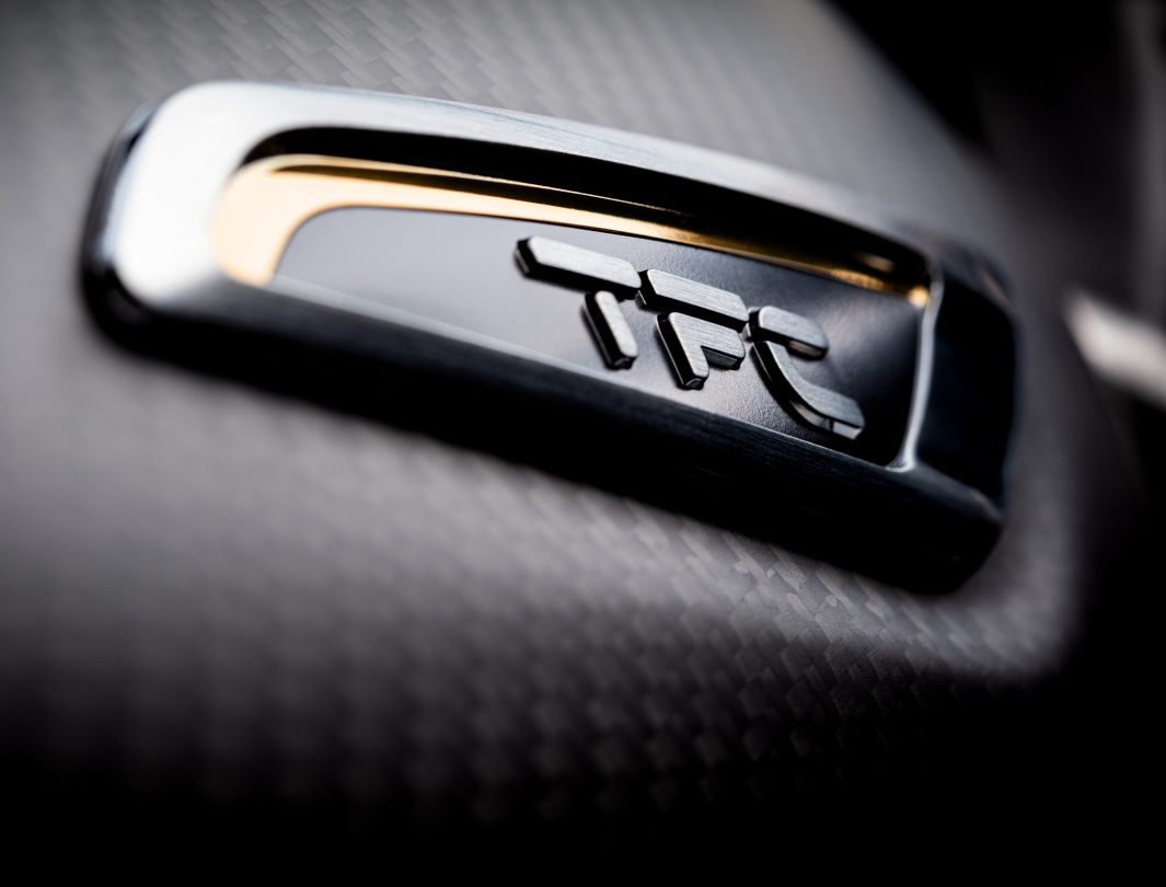 Triumph Bobber TFC badge with gold detailing