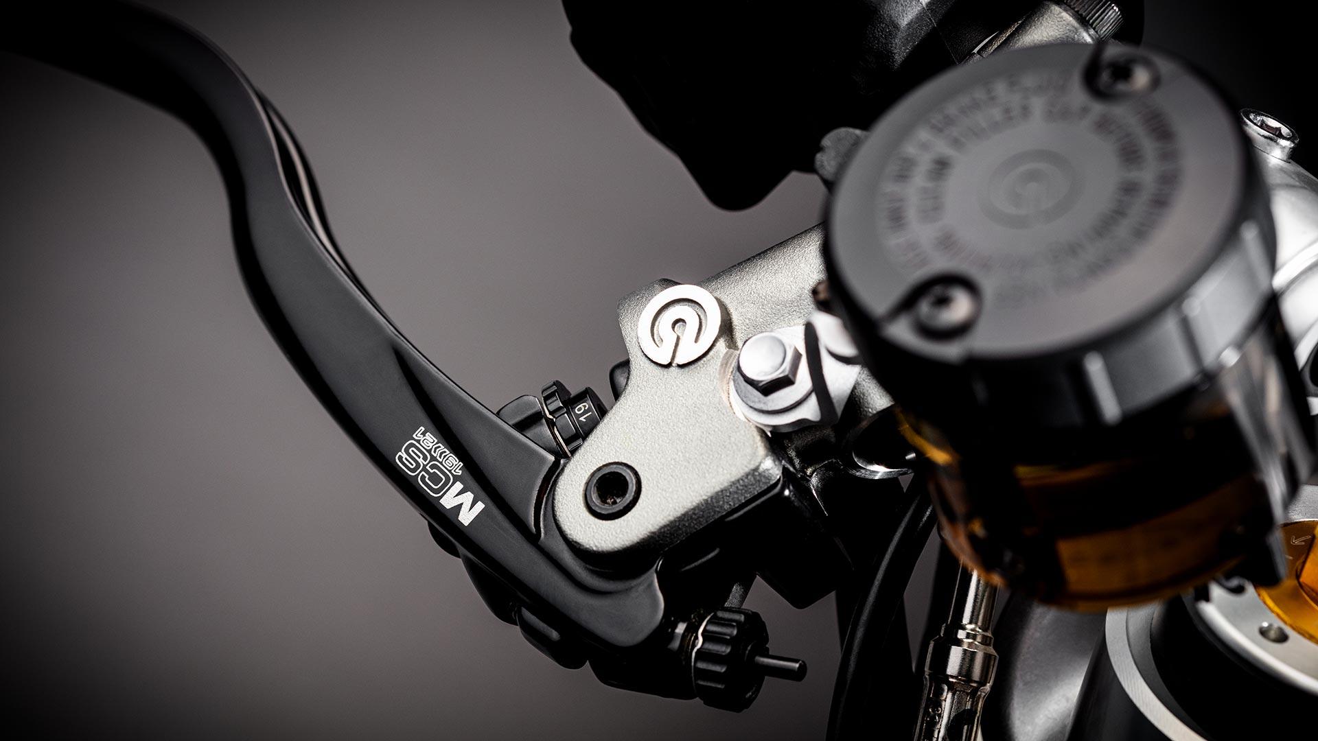 Close-up shot of the Triumph Bobber TFC's front brake lever