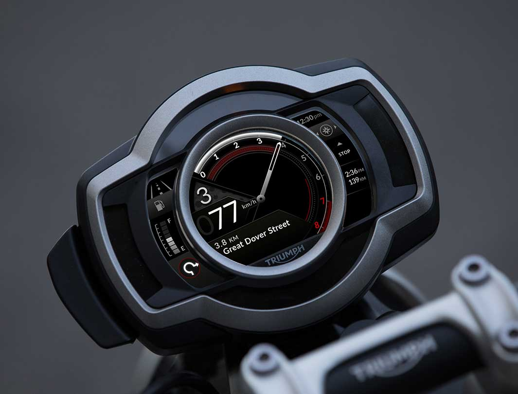 Triumph TFT Connectivity showing the turn-by-turn navigation on a Scrambler 1200 display